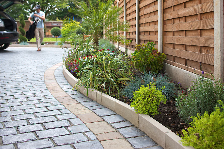 Image of: Edging Stones For Landscaping Border