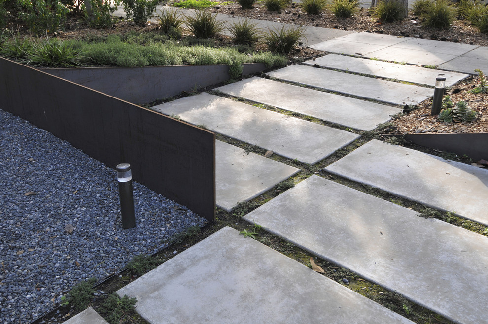 Image of: Modern Edging Stones For Landscaping