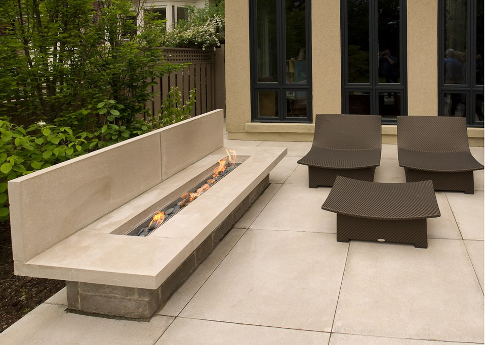 Image of: Contemporary Outdoor Fireplace Designs Home