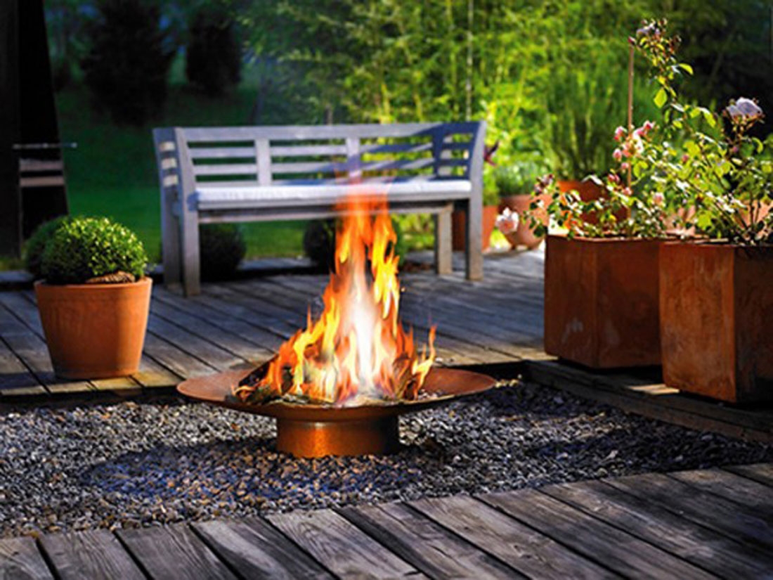Image of: Contemporary Outdoor Fireplace Designs Round