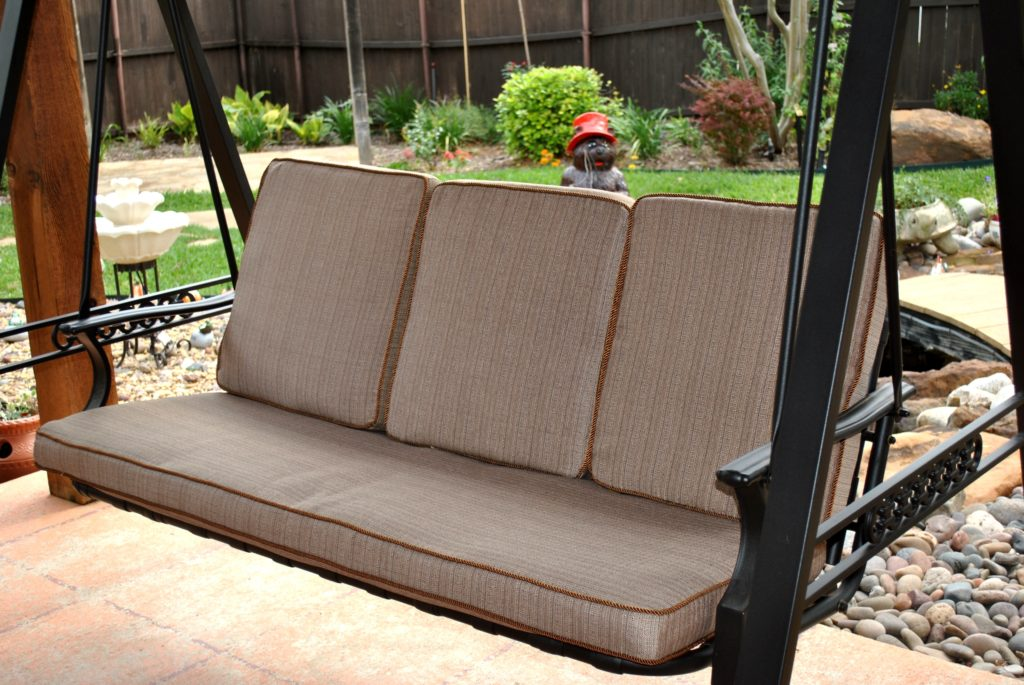 Image of: Outdoor Cushions For Swings Furniture