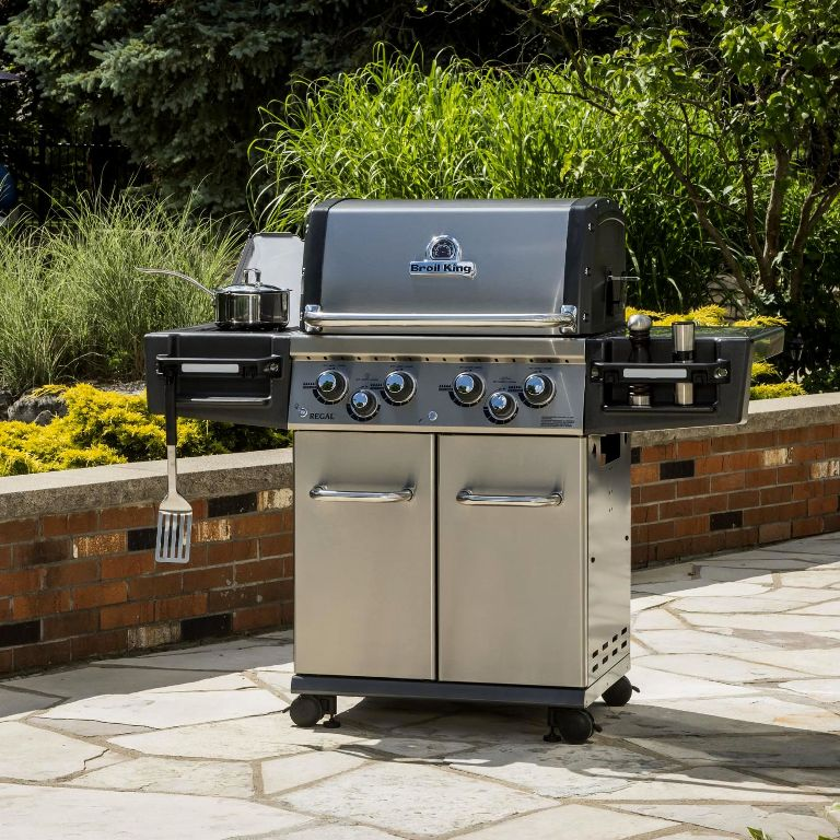 Image of: Best Outdoor Kitchen With Freestanding Grill