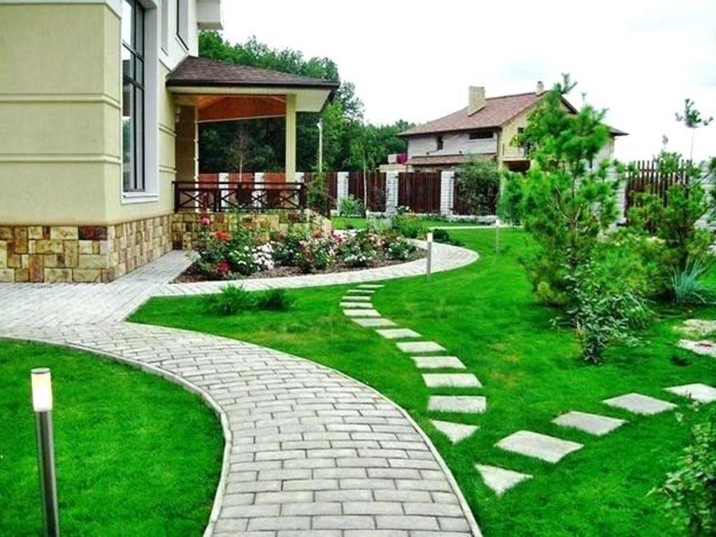 Image of: Front Walkway Landscaping Ideas