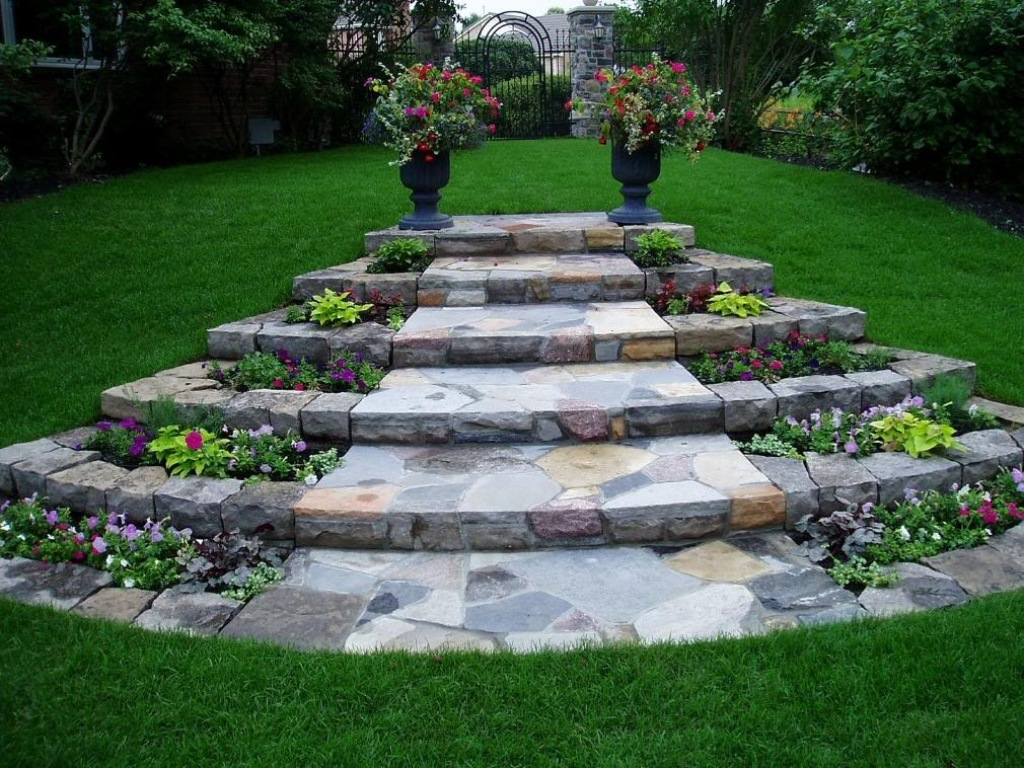 Image of: Landscaping Ideas Along A Walkway
