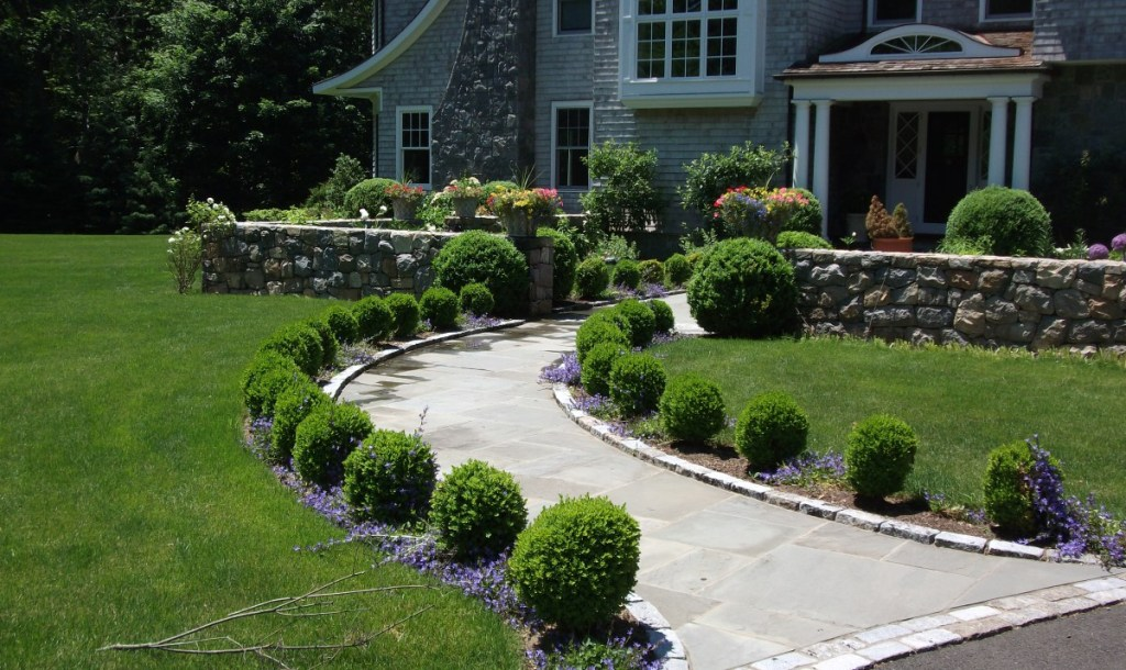 Image of: Landscaping Ideas Around Walkway