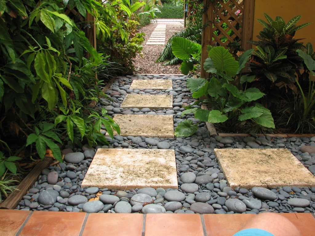 Image of: Landscaping Stones And Pebbles