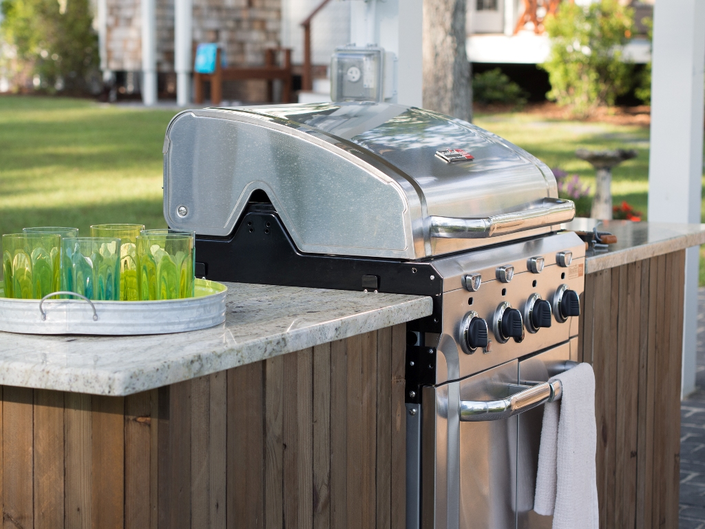 Image of: New Diy Outdoor Kitchen With Freestanding Grill