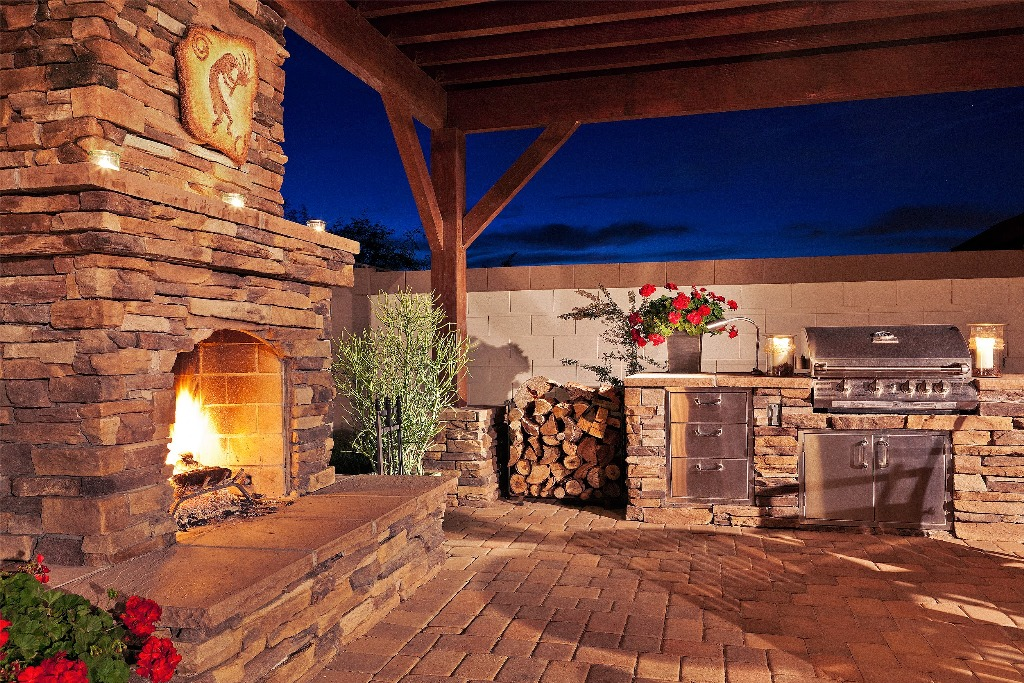 Outdoor Stone Veneer Wall