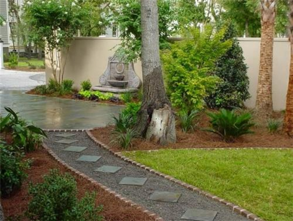 Image of: Plants Walkway Landscaping Ideas