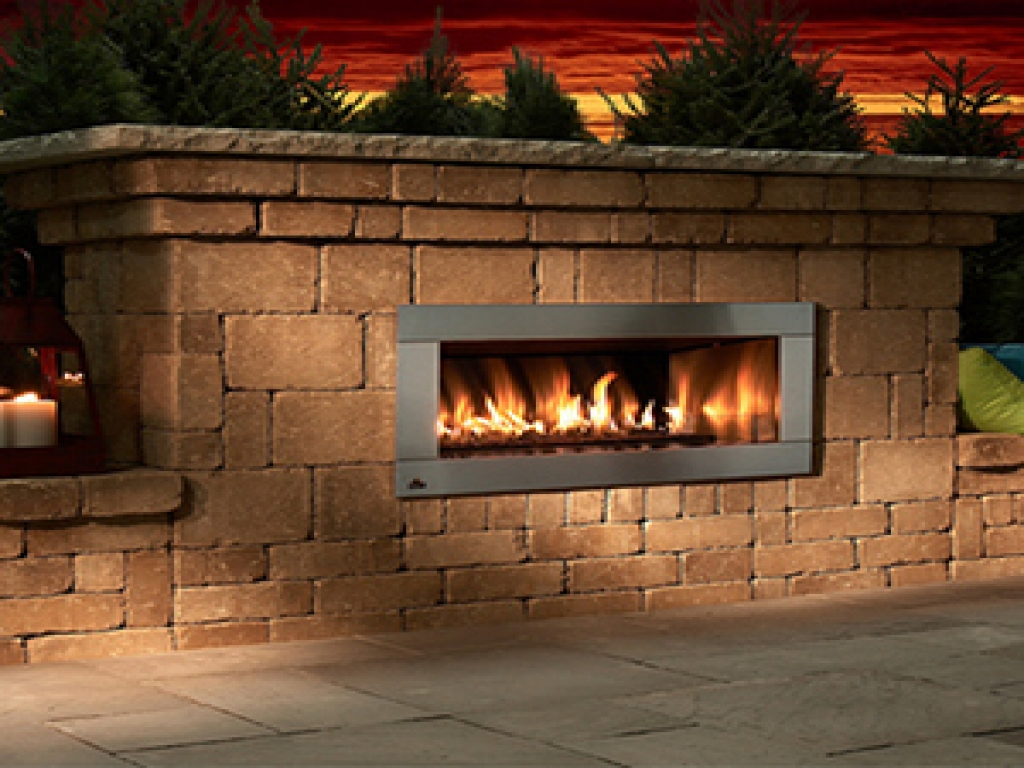 Image of: Stone Outdoor Fireplace Kits