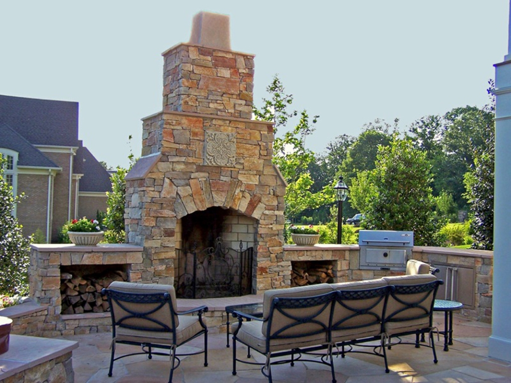 Image of: Stone Outdoor Fireplace Pictures