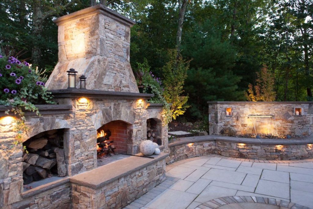 Image of: Stone Veneer Outdoor Fireplace Kit