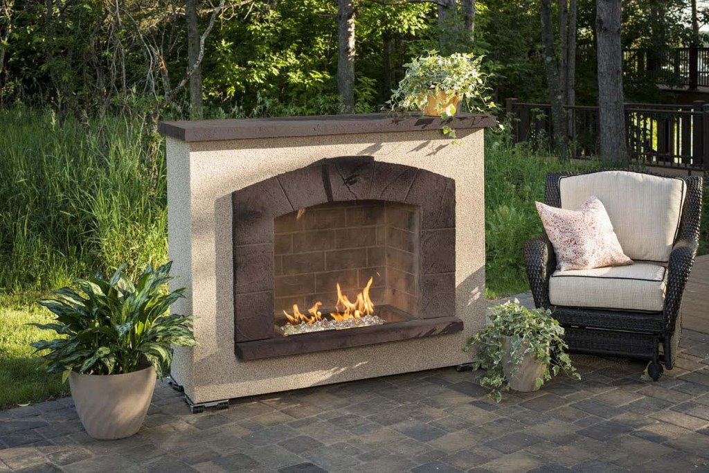 Image of: Stone Veneer Outdoor Fireplace Plans