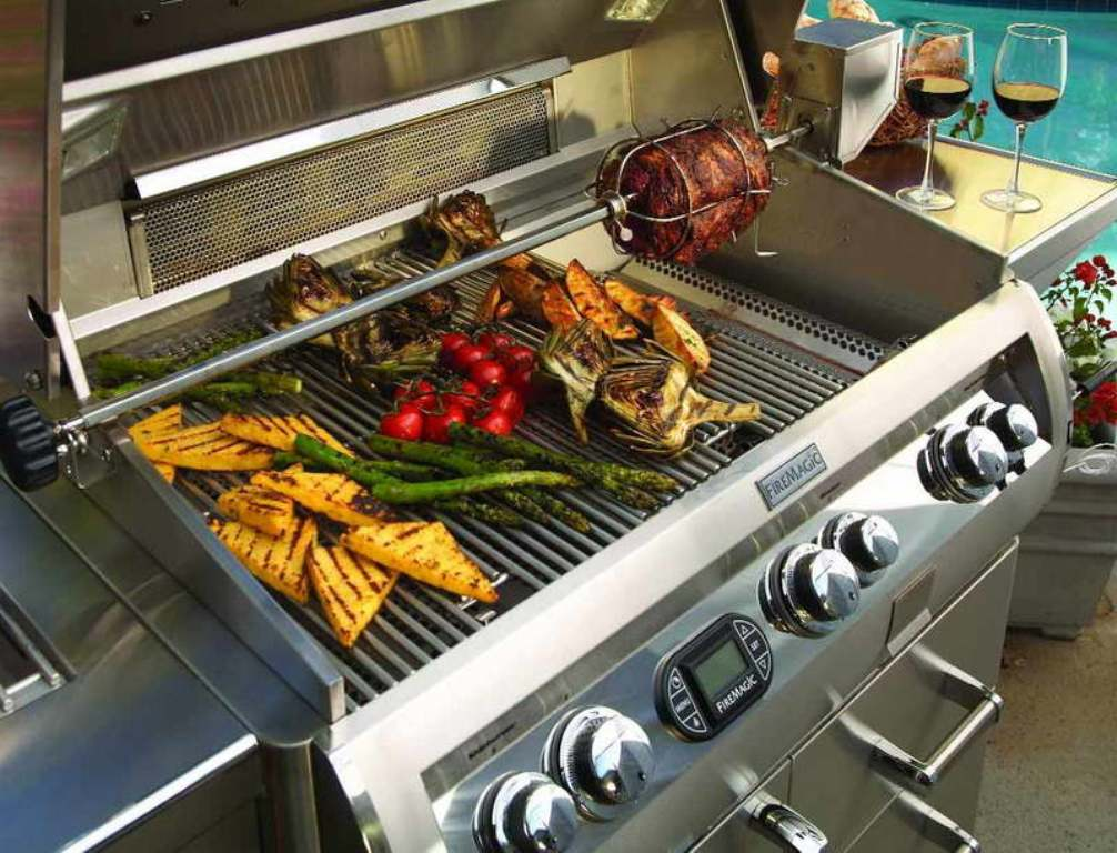 Top Outdoor Kitchen With Freestanding Grill Ideas