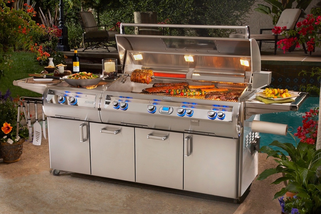 Image of: Top Outdoor Kitchen With Freestanding Grill