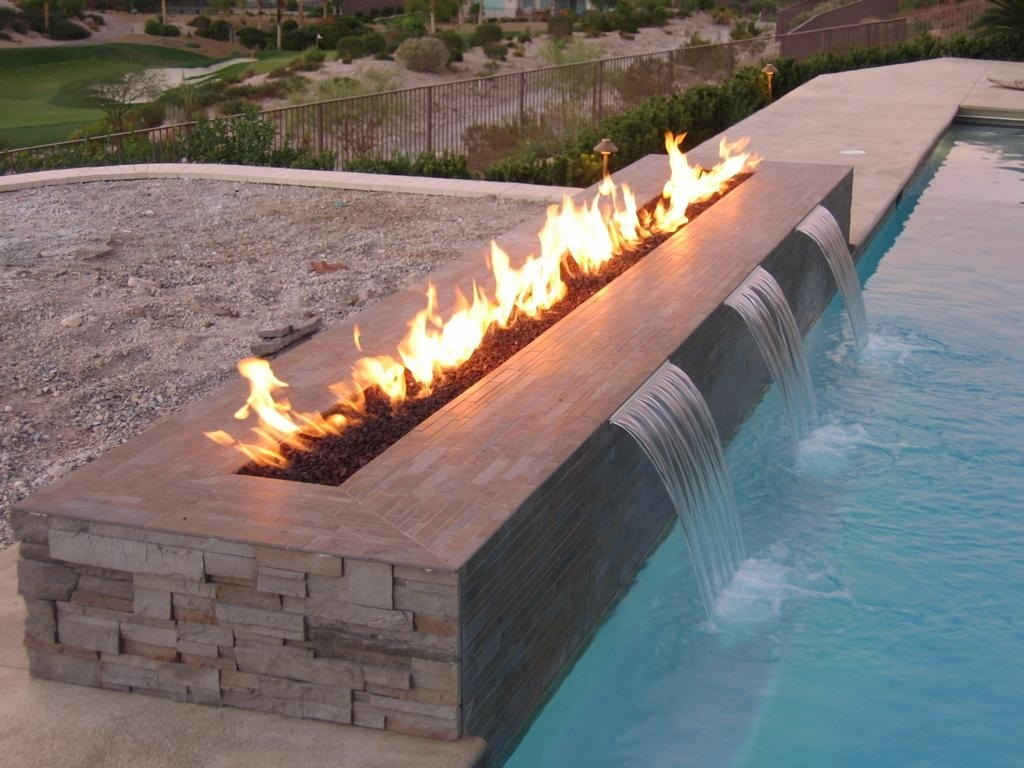Image of: Design Guide For Outdoor Firplaces And Firepits Garden Design Within Outdoor Fireplace Glass Rocks Be Warm All Year Round With Outdoor Fireplace Glass Rocks