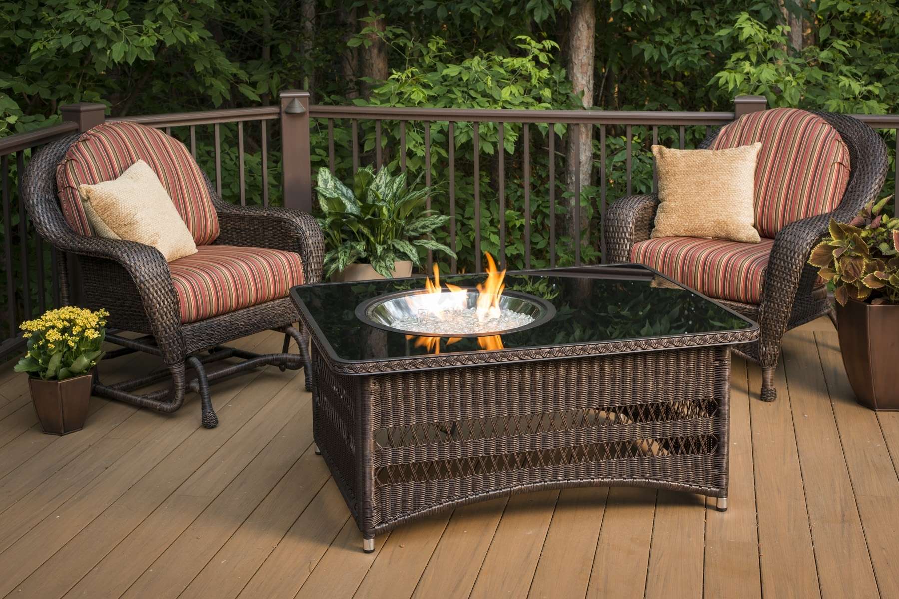 Image of: Outdoor Deck Fire Pit Design And Ideas Pertaining To Outdoor Decks With Fireplaces Outdoor Decks With Fireplaces Ideas
