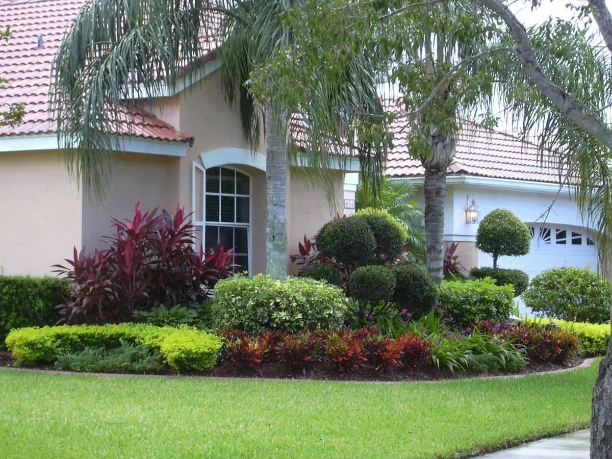 Small Front Yard Landscape Design Beautiful Front Yard With Small Front Yard Landscaping The Best Small Front Yard Landscaping Idea
