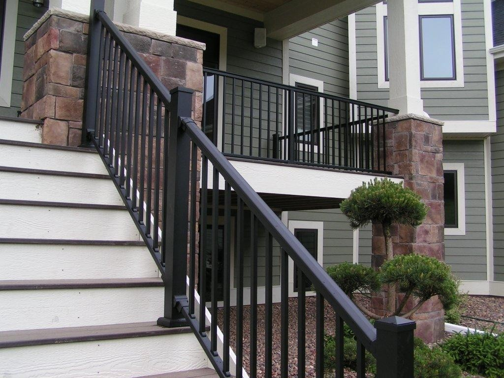 Image of: Aluminum Porch Railings Designs