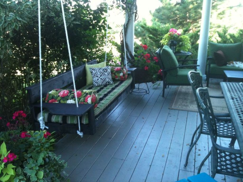 Image of: Ana White Porch Swing Front