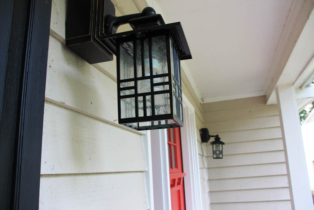 Image of: Applying Black Porch Light