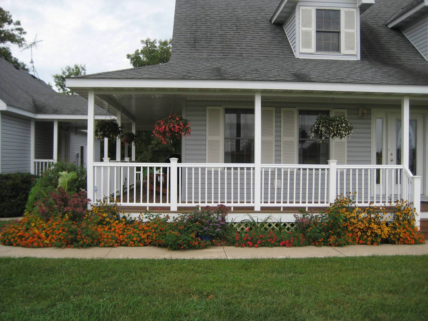 Image of: Artistic Screen Porch Designs