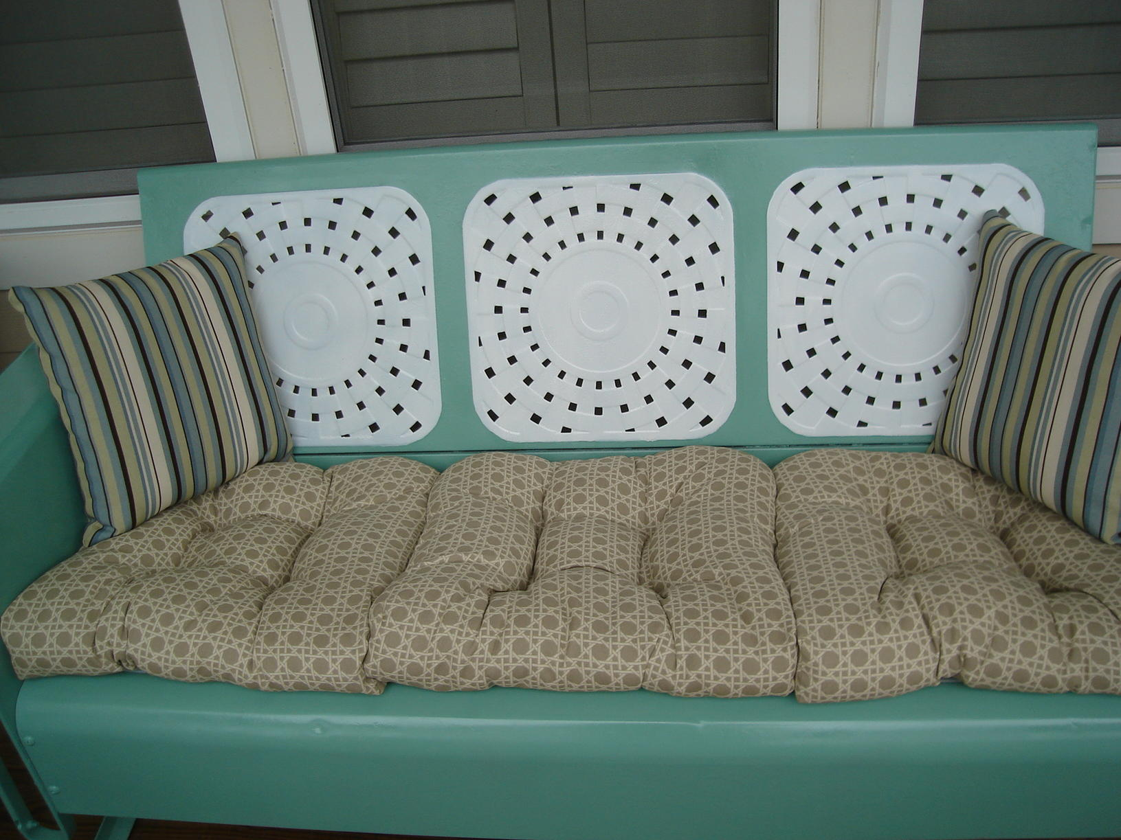 Image of: Awesome Metal Porch Glider
