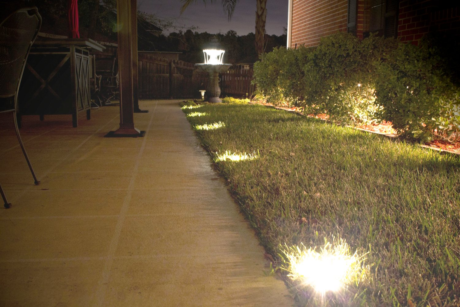 Image of: Battery Operated Porch Lights For Garden