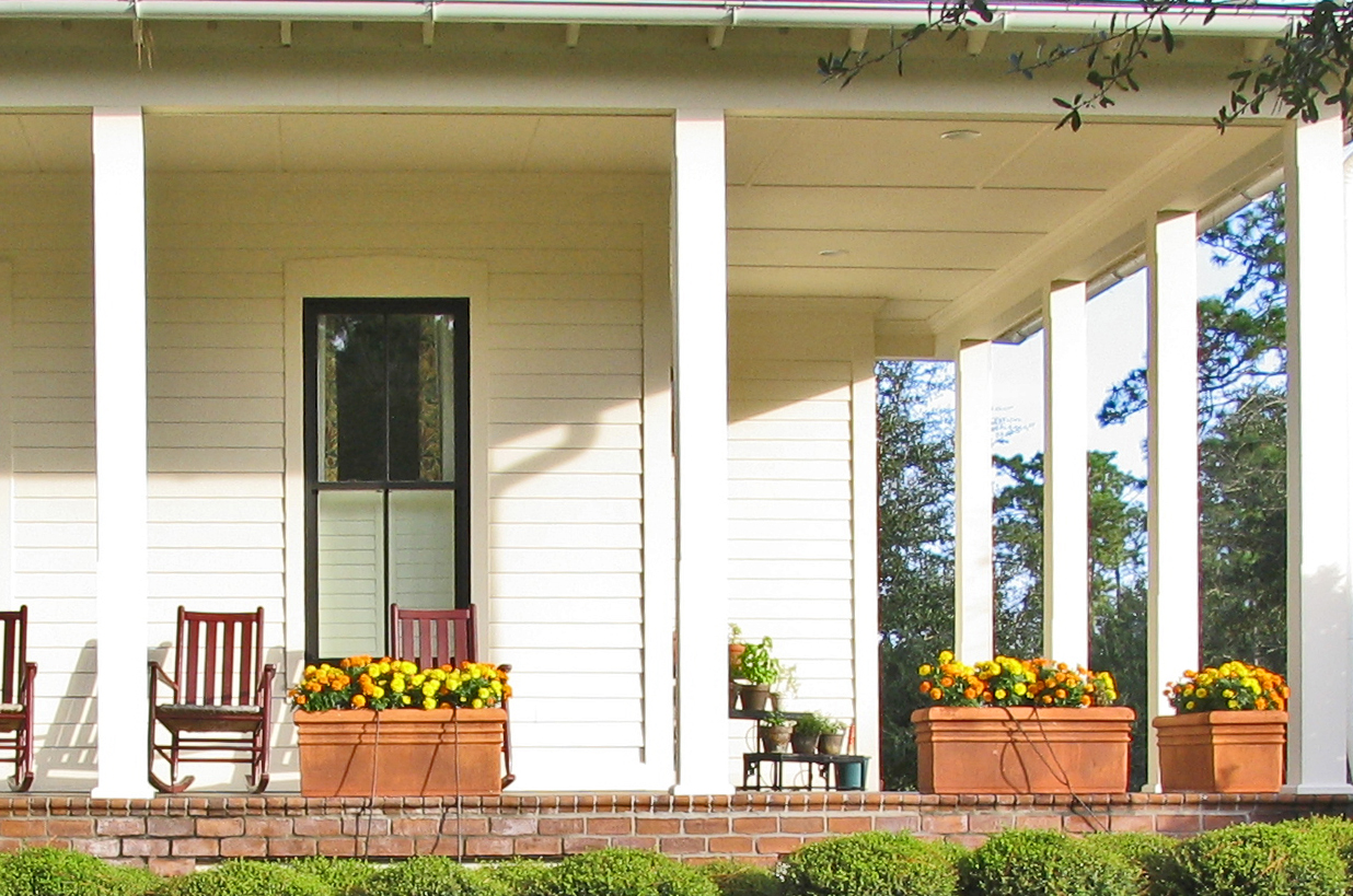 Image of: Beautiful Country Porch Decorating Ideas