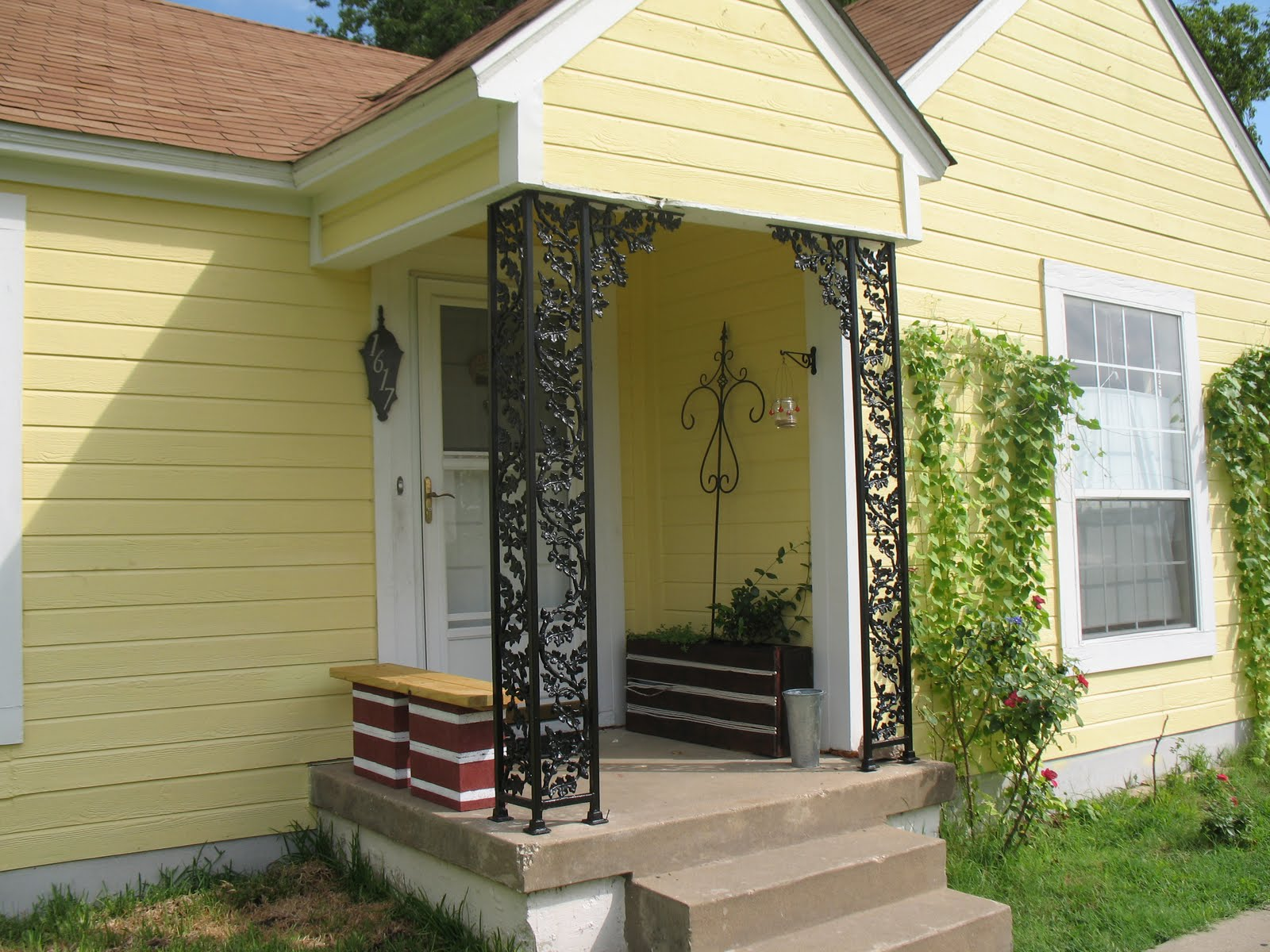 Image of: Beautiful Metal Porch Columns