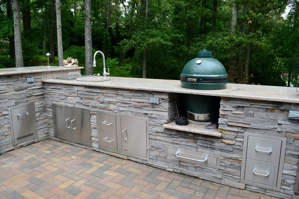 Image of: Best Big Green Egg Built Into Outdoor Kitchen