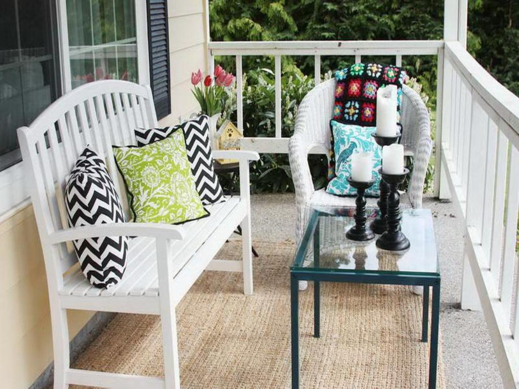 Image of: Best Front Porch Table And Chairs