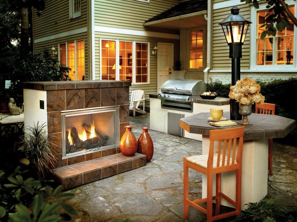 Image of: Best Gas Logs For Outdoor Fireplace