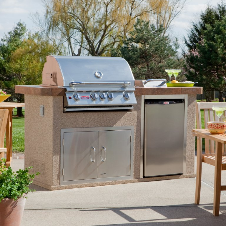 Image of: Bull Grills Outdoor Kitchen