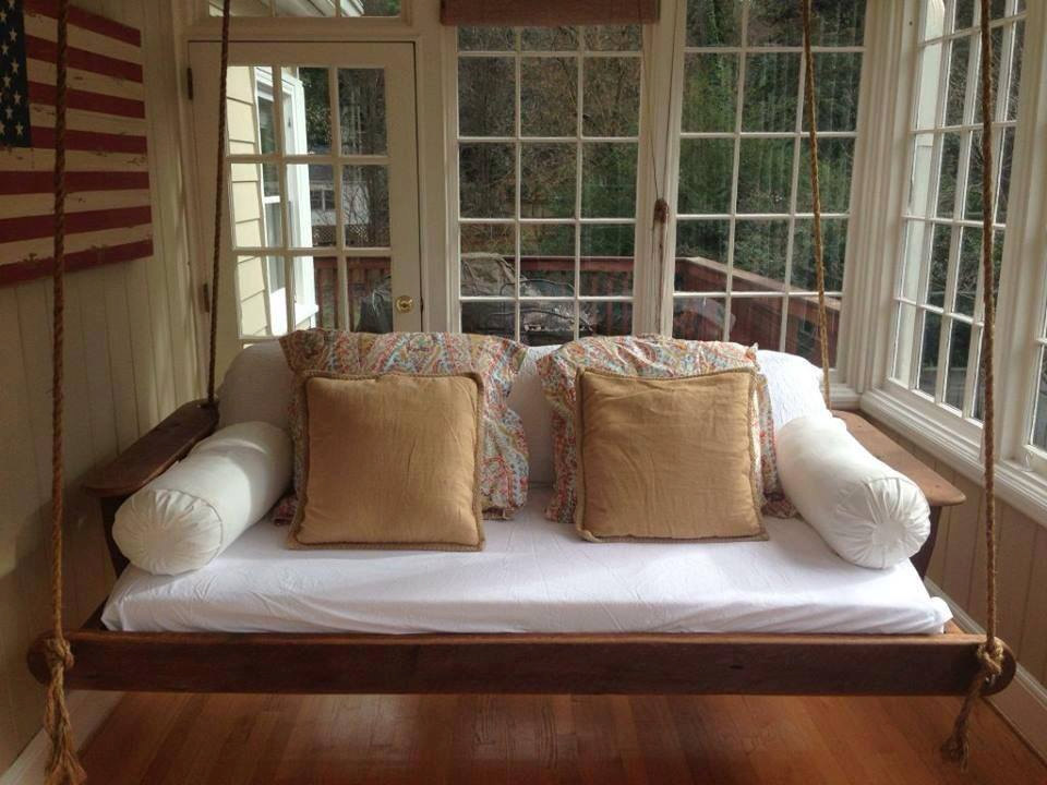 Image of: Classic Daybed Porch Swing
