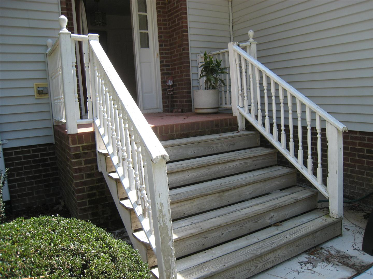 Image of: Classic Handrails For Porch Steps