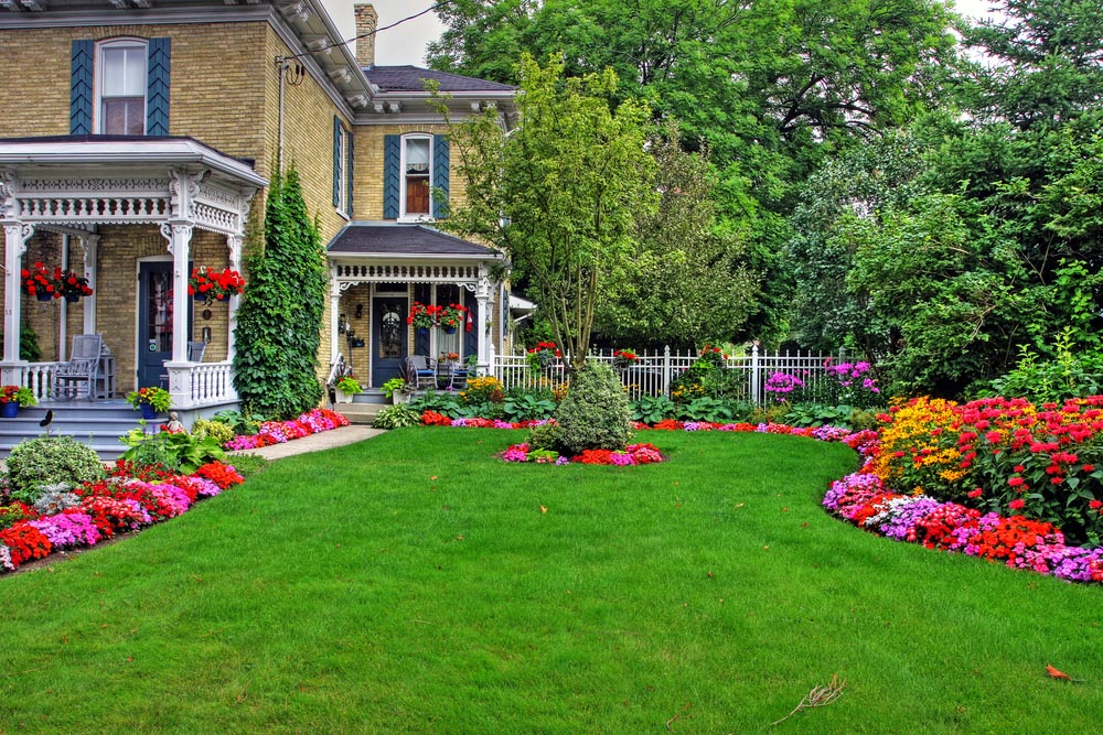 Image of: Colorful Front Porch Landscaping Ideas