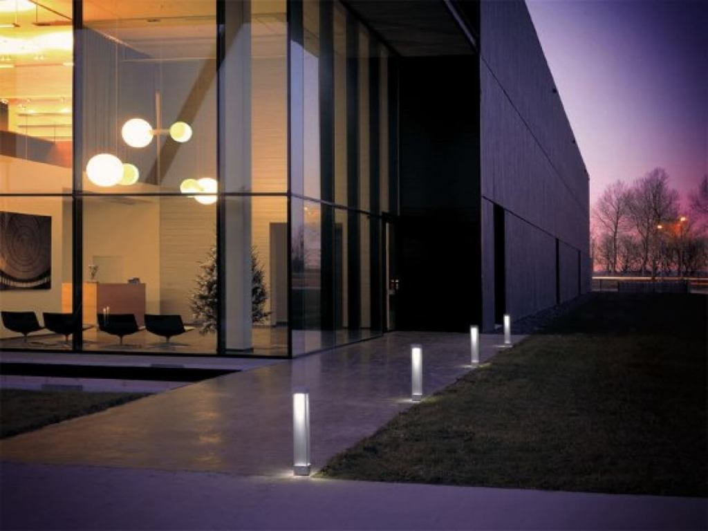 Image of: Contemporary Outdoor Wall Lights With Pir