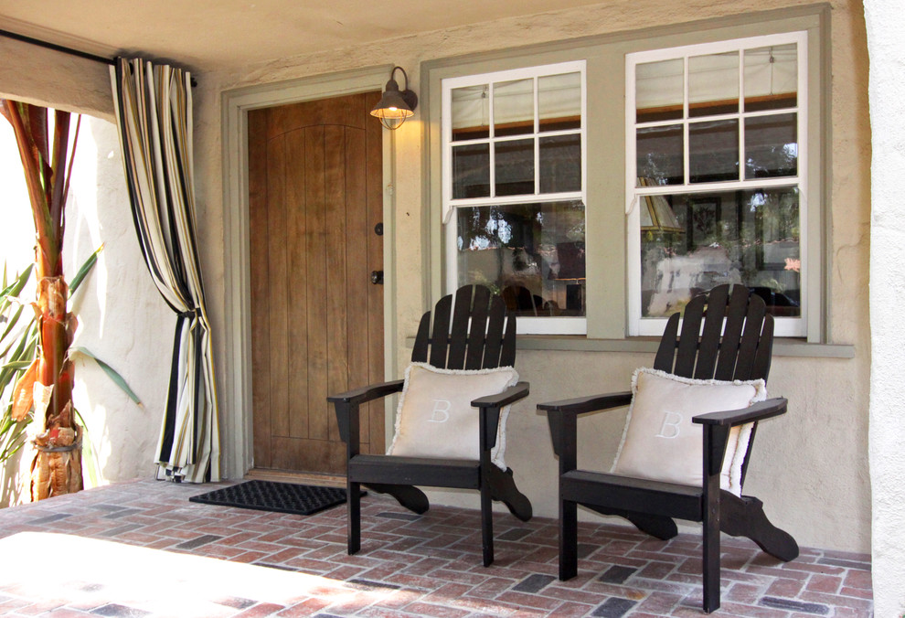 Image of: Cozy Front Porch Furniture Ideas
