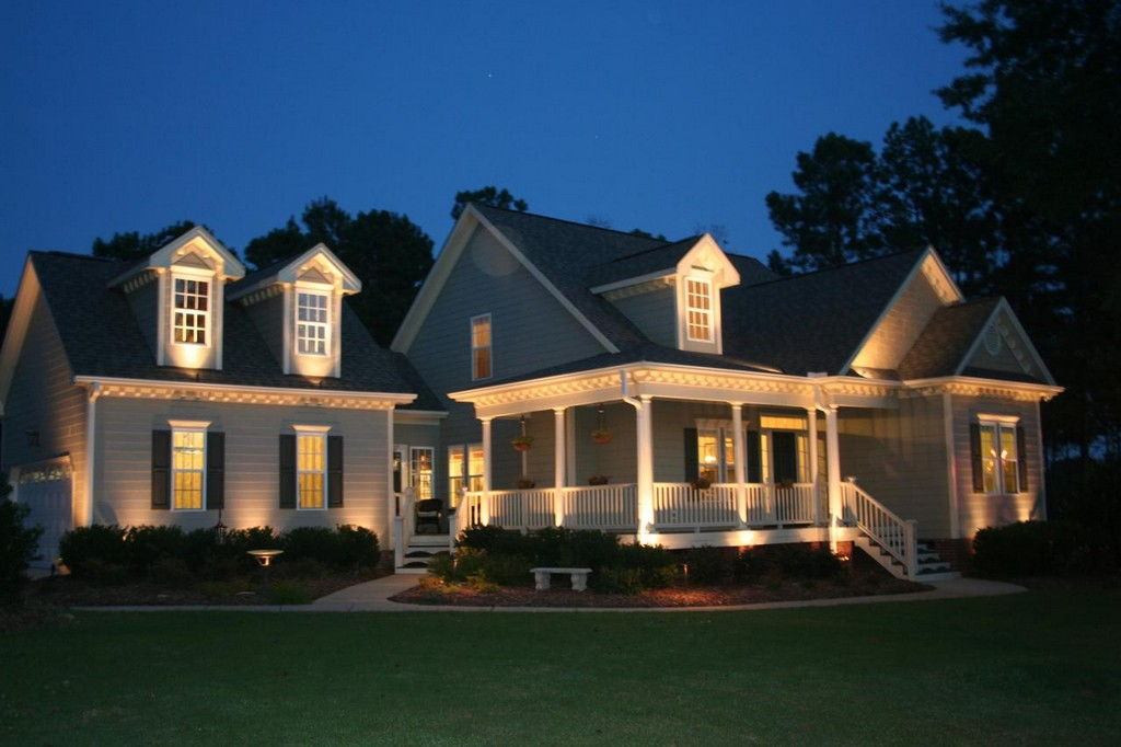 Image of: Dramatic Exterior Porch Lights