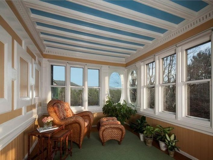 Enclosed Porch Designs and Decorations