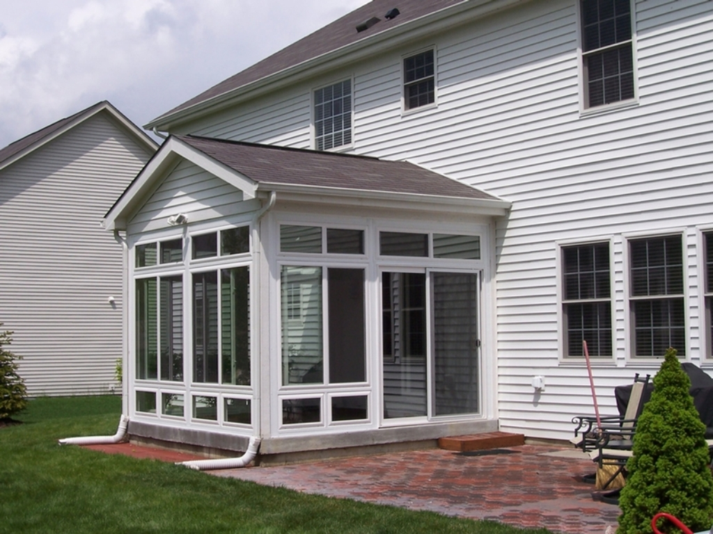 Image of: Enclosing A Porch With Windows