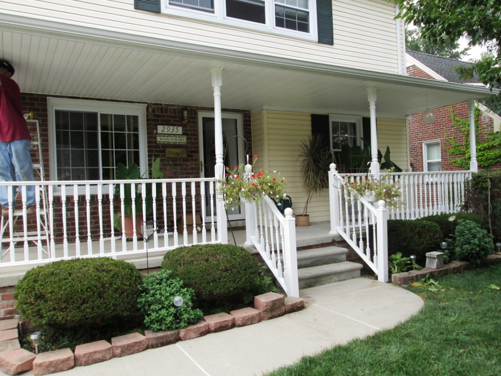 Image of: Exterior Handrails For Porch Steps