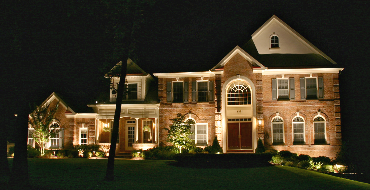 Image of: Exterior Porch Columns Lighting