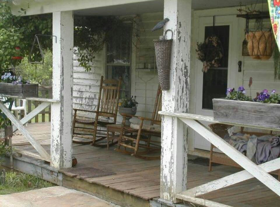 Image of: Farmhouse Front Porch Old Style
