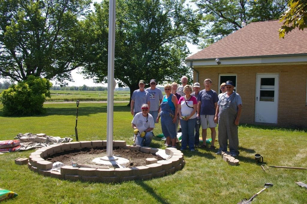 Image of: Flagpole With Landscaping