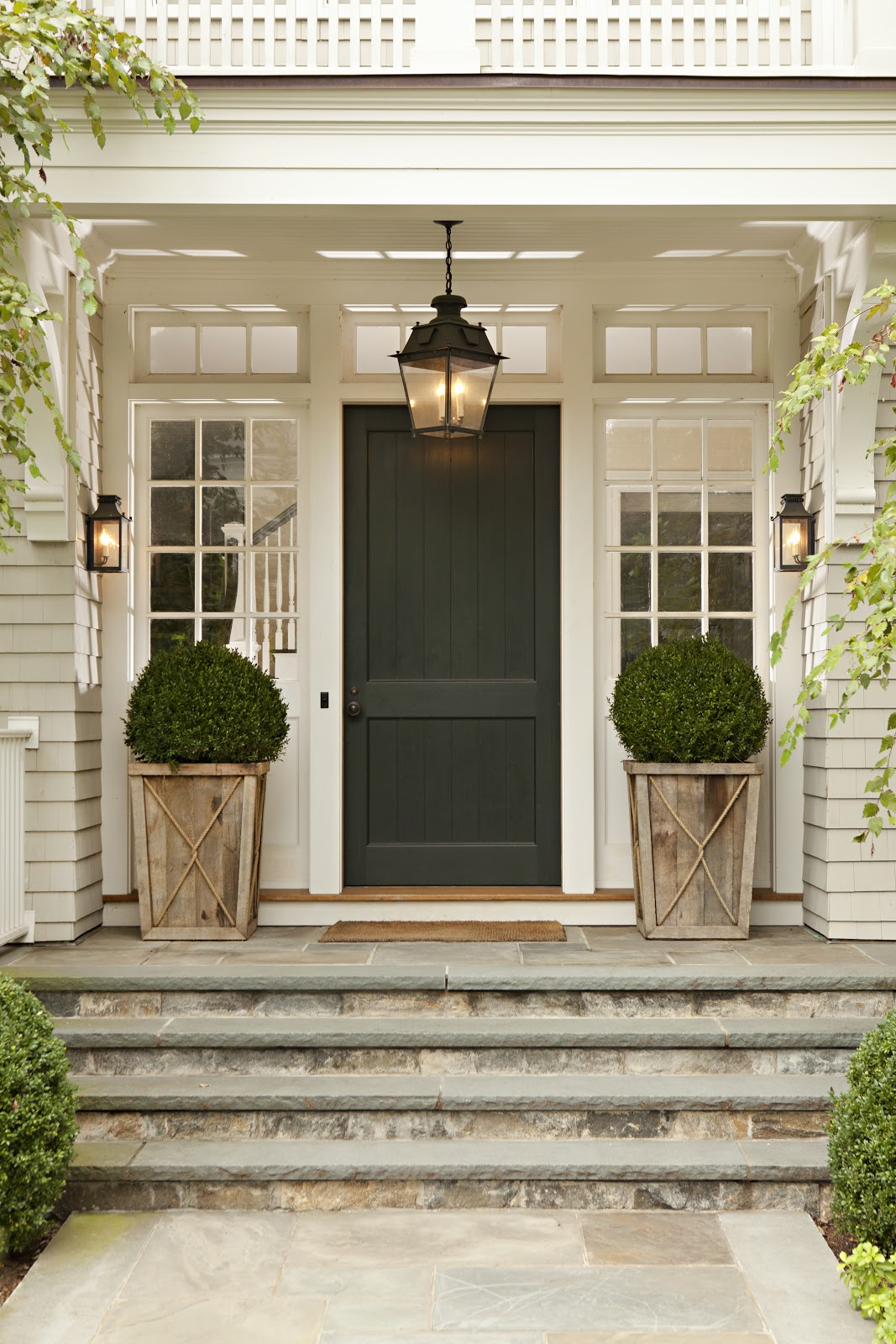 Image of: Frame Front Porch Topiary