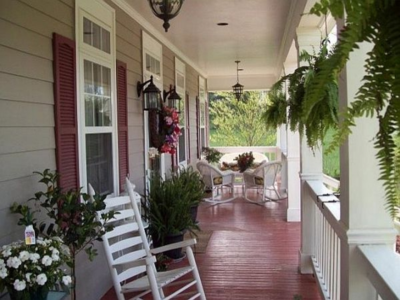 Image of: Front Country Porch Decorating Ideas