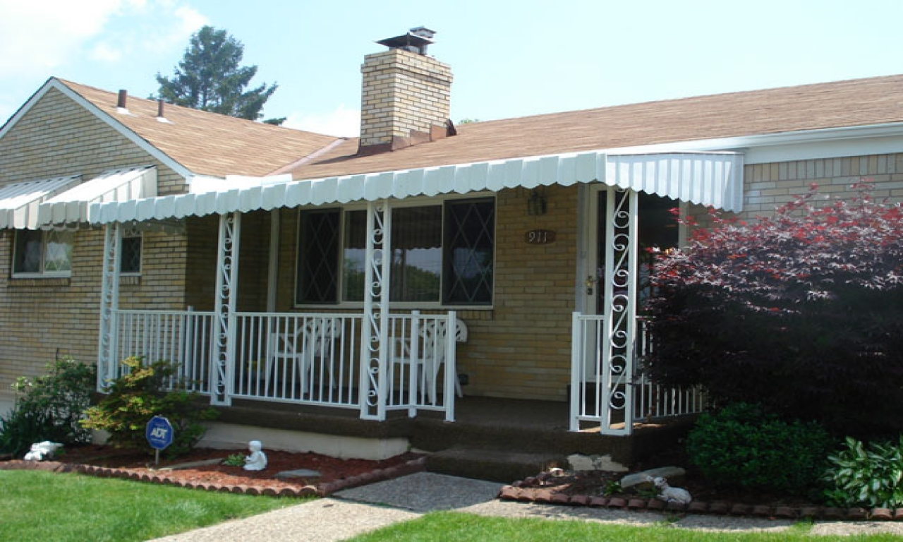 Image of: Front Porch Awning And Rail