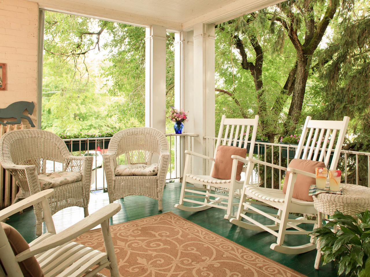 Image of: Front Porch Chairs Decorative